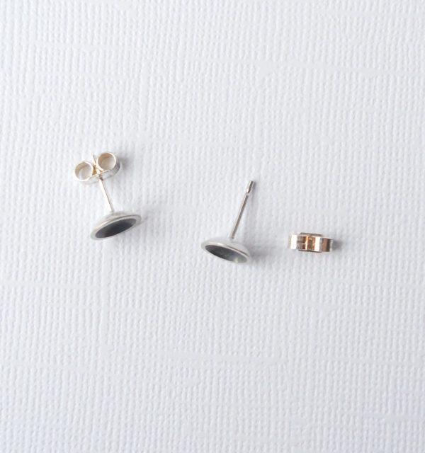 Oxidised ear studs