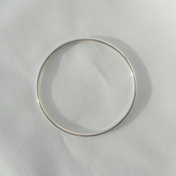 2.5mm sterling silver bangle